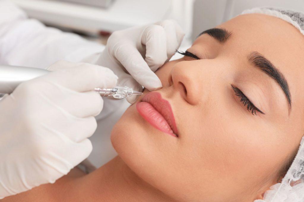 Full lips permanente make-up Estelle's Beautysalon Lelystad